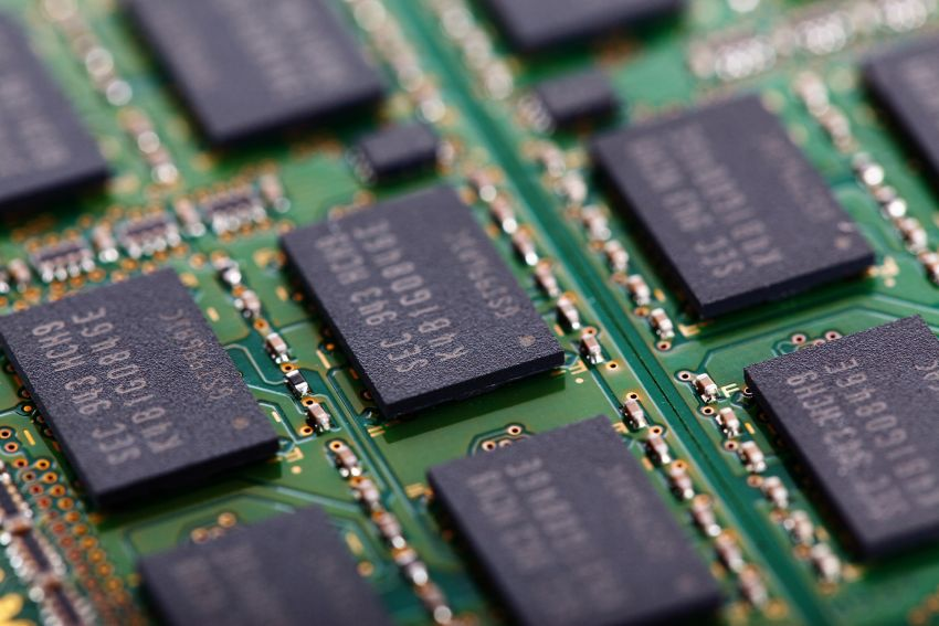 CHINA IS INVESTING BILLIONS IN CHIPMAKING